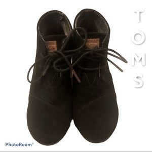 Toms Black Suede Wedge Boots